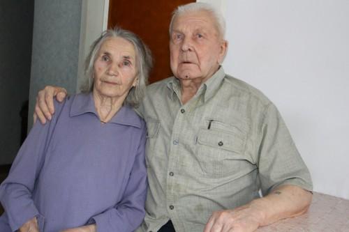65 лет рука об руку